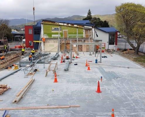 SBC C-D Block crane delivers steel Sep 2020